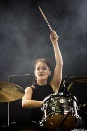 Fay Milton, baterista de Savages, BIME festival, Barakaldo. 2015