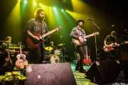 Adam Bock -teclado-, Jon Bonilla -guitarra-, Andrew Zehnal -batería-, Mike Montali -voz y guitarra- y Dillon DeVito -bajo- de Hollis Brown, Kafe Antzokia, Bilbao. 2015