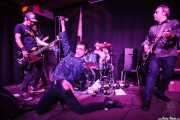 Álvaro Segovia -guitarra invitado-, Albert Hustler -bajo-, Screamin' George -voz-, Ilargi Agirre -batería- y James Hustler -guitarra- de Screamin' George & The Hustlers, Kafe Antzokia, Bilbao. 2015