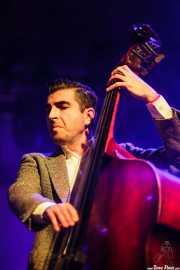 Santiago Sacristán, contrabajista de The Limboos (Santana 27, Bilbao, 2015)