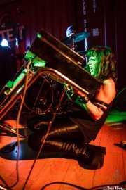 Nicole Laurenne, cantante y organista de The Love Me Nots (Satélite T, Bilbao, 2016)
