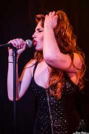 Hayley Red, cantante de The Dustaphonics (La Nube Café Teatro, Bilbao, 2016)