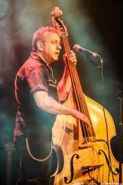 Miguel Millana, contrabajista y bajista de Los Rebeldes (Torrezabal Kultur Etxea, Galdakao, 2016)