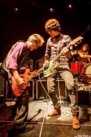 George Alexander -bajo-, Cyril Jordan -guitarra y voz- y Victor Peñalosa -batería-, de Flamin' Groovies (Intxaurrondo K.E., Donostia / San Sebastián, 2016)