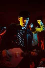 Oliver Pilsner -bajo- y Leighton Koizumi -voz- de The Morlocks (Satélite T, Bilbao, 2016)
