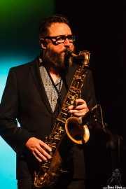 Damian Hand, saxofonista de The James Hunter Six (Social Antzokia, Basauri, 2016)