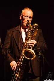 Lee Badau, saxofonista de The James Hunter Six (Social Antzokia, Basauri, 2016)