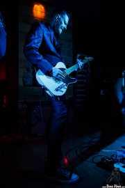 Michael Johnny Walker, guitarrista de The Love Me Nots (Satélite T, Bilbao, 2016)