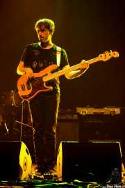 Sergio Gil, bajista de Yellow Big Machine (Social Antzokia, Basauri, 2016)