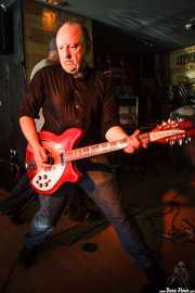 Robin Wills, guitarrista de The Barracudas (Satélite T, Bilbao, 2016)