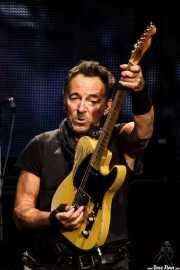 Bruce Springsteen, cantante y guitarrista de Bruce Springsteen and the E Street Band (Estadio de Anoeta, Donostia / San Sebastián, 2016)