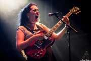 Ana García Perrote, guitarrista y cantante de Hinds (Bilbao BBK Live, Bilbao, 2016)