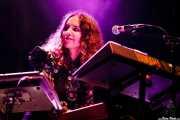 """Ana Molina """"Cheryl"""", teclista y acordeonista de Hola A Todo El Mundo (Bilbao BBK Live, Bilbao, 2016)"""