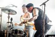 Isaac Holman -voz y batería- y Laurie Vincent -guitarra y bajo- de Slaves (Bilbao BBK Live, Bilbao, 2016)