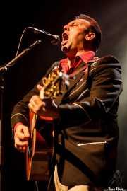 Marcos Sendarrubias, cantante y guitarrista (Kafe Antzokia, Bilbao, 2016)