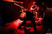 Asier Maiah -guitarra- y Rafa Bataglia -batería- de Viva Bazooka (Kremlin Aretoa, Bilbao, 2016)