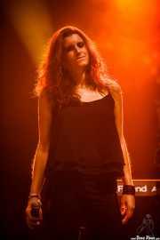Rebeca Rods, cantante corista de Edurne (Aste Nagusia - Abandoibarra, Bilbao, 2016)