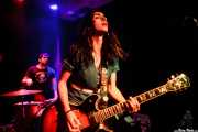 Carlos Mendes -batería- y Conchita de Aragón Coltrane -guitarra y voz- de The Dirty Coal Train (Kremlin Aretoa, Bilbao, 2016)