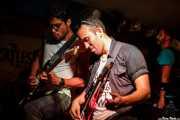Cantante y guitarristas de Aire Libre (Submarino Amarillo, La Habana, 2016)