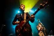 Pete O'Hanlon -bajo- y Ross Farrelly -voz y armónica- de The Strypes (Kafe Antzokia, Bilbao, 2016)