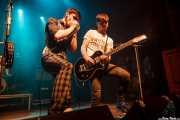 Ross Farrelly -voz y armónica- y Josh McClorey -guitarra- de The Strypes (Kafe Antzokia, Bilbao, 2016)