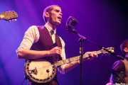 """David Pisabarro """"413"""", cantante y banjista de Ghost Number & His Tipsy Gypsies (Kafe Antzokia, Bilbao, 2016)"""