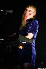 Cristina Lizarraga, teclista y cantante de Belako (BIME festival, Barakaldo, 2016)