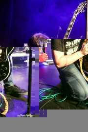 Aitz Gabiria -voz y guitarra- y Jon Ibarra -batería- de Fetitxe (Bilborock, Bilbao, 2016)