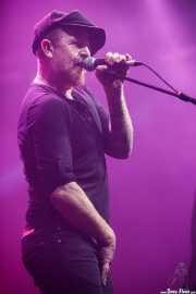 Dogo (Dogo y los Mercenarios),cantante invitado de Kurt Baker Combo (Santana 27, Bilbao, 2016)