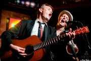 Paul Fitzgerald -banjo y voz-, Andrew Stafford -contrabajo-, Neil Robert Herd -voz y guitarra- y Sid Griffin -mandolina, voz y armónica- de The Coal Porters (Purple Weekend Festival, León, 2016)