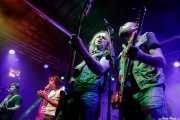 Warren Bailey -guitarra-, Adrian Barrera -voz-, George Reese -bajo- y Milton Chapman -guitarra- de The Barreracudas (Purple Weekend Festival, León, 2016)