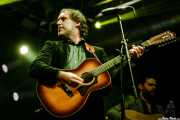 Alfredo Niharra -voz y guitarra- y Álvaro Segovia -guitarra- en el Homenaje a The Concert for Bangladesh. George Harrison (Santana 27, Bilbao, 2016)