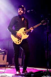 Luis Rodríguez, guitarrista de León Benavente (Kafe Antzokia, Bilbao, 2017)
