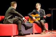 Santiago Auserón -entrevistador- y Jorge Drexler -cantante y guitarrista- (Sala Cúpula (Teatro Campos Elíseos), Bilbao, 2017)