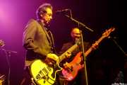 Alejandro Escovedo -voz y guitarra- y Denis Valentini -bajo en gira- (Kafe Antzokia, Bilbao, 2017)