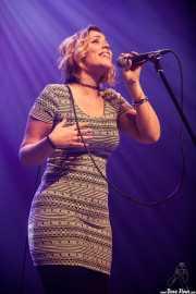 Xandra de la Vega, cantante y xilofonista de Mud Candies (Kafe Antzokia, Bilbao, 2017)