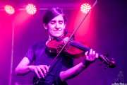 Nerea Alberdi Etxebarría, violinista de Lazybone Ramblers (Kafe Antzokia, Bilbao, 2017)
