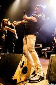 "Ross ""The Boss"" Friedman -guitarra-, Richard ""Handsome Dick"" Manitoba -voz- y Dean ""The Dream"" Rispler -bajo- de The Dictators NYC (Kafe Antzokia, Bilbao, 2017)"