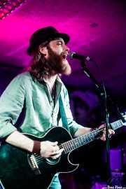 James Room, cantante y guitarrista de James Room & Weird Antiqua (Santana 27, Bilbao, 2017)