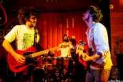 Pablo Moreno -guitarra y voz-, Roberto Villar -batería- y Sergio Gil -bajo- de Yellow Big Machine (Satélite T, Bilbao, 2017)