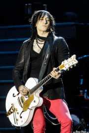 Richard Fortus, guitarrista de Guns n' Roses (Estadio de San Mamés, Bilbao, 2017)