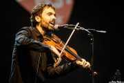 Arkaitz Miner, guitarrista y violinista de Ruper Ordorika (Music Legends Fest, Sondika, 2017)