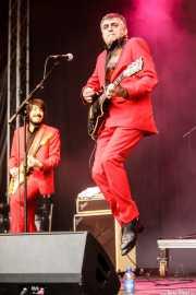 Miguel Ariza -guitarra- y El Gran Wyoming -voz y guitarra- de Wyoming y los Insolventes (Music Legends Fest, Sondika, 2017)
