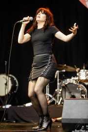 Imelda May, cantante y bodhrán (Music Legends Fest, Sondika, 2017)