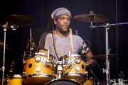 Charles Luabe, baterista de Alpha Blondy & The Solar System (Music Legends Fest, Sondika, 2017)