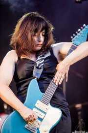 Penny Ikinger, cantante y guitarrista (Andoaingo Rock Jaialdia, Andoain, 2017)