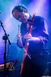 Iván Telefunken, guitarrista, teclista y ukelele de The Limiñanas (Andoaingo Rock Jaialdia, Andoain, 2017)