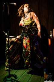 Oya, cantante de Vodun (La Nube Café Teatro, Bilbao, 2017)
