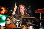 Julia Ivansson, baterista de Jens Lekman (Bilbao BBK Live, Bilbao, 2017)