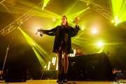 Valentina Pappalardo -voz- y Joe Goddard - sintetizador, samplers y voz- de Joe Goddard Live (Bilbao BBK Live, Bilbao, 2017)